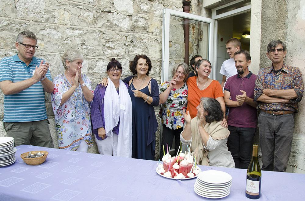 Préparation d'un repas festif avec les cuisiniers, Brigitte Chavas, Manu Frieldi et Jacques Bardot.